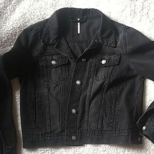 Free people black jean jacket. Size M